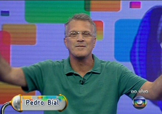Pedro Bail faz firula e fala das novidades do BBB11 (11/01/11)
